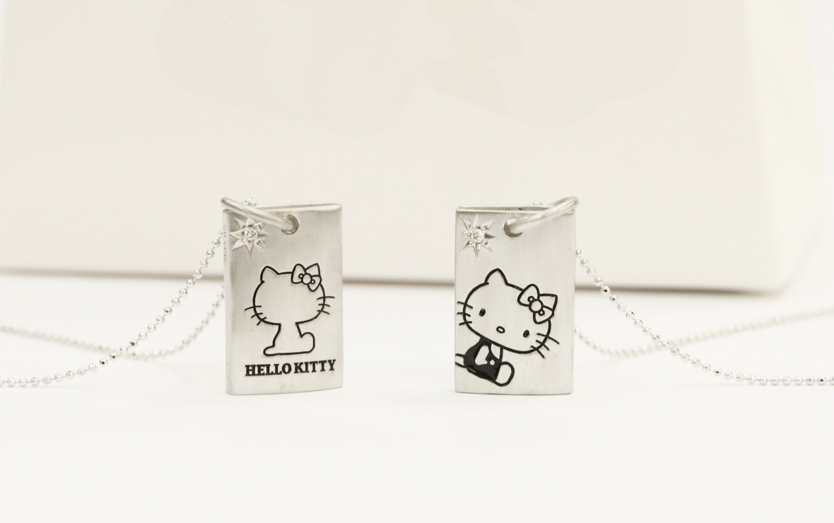 HELLO KITTY WHISTLE PENDANT